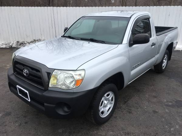 Photo 2005 Toyota Tacoma 4 Cylinder 5 Speed 1-Owner ONLY 43,000 MILES - $8995 (Northern Auto Sales Watertown Ny 13601)