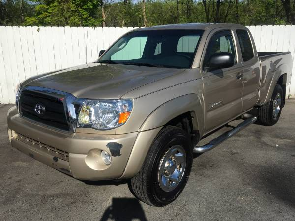 Photo 2005 Toyota Tacoma SR5 PreRunner 5-Speed 2.7 Liter 4 Cylinder - $4750 (Northern Auto Sales Watertown Ny 13601)