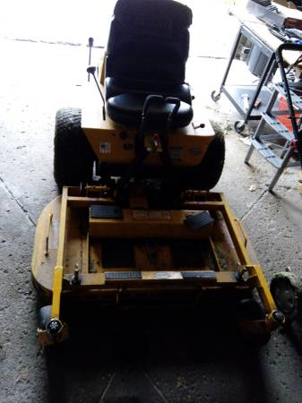 Photo 2007 WALKER ZERO TURN COMMERCIAL LAWN MOWER 42quot DUAL BLADE 2000 HOURS - $2,550 (NORTH SYRACUSE)