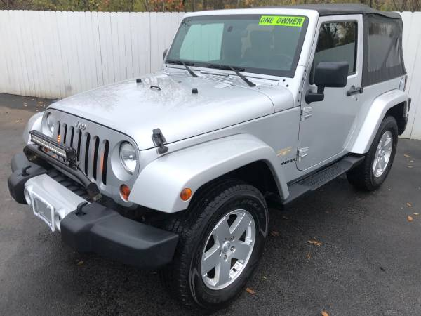 Photo 2010 Jeep Wrangler Sahara Automatic 6 cylinder Excellent Condition - $13,995 (Northern Auto Sales Watertown Ny 13601)