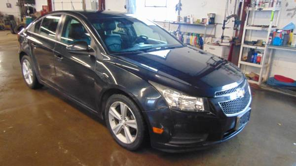 Photo 2013 CHEVY CRUZE LT BLACK ON BLACK LEATHER LOADED - $9899 (The Dealer Trader Auto Group Bradley St  81)