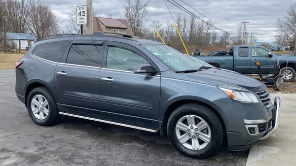 Photo 2013 Chevy Traverse LT 4WD - $9695 (Watertown, NY)