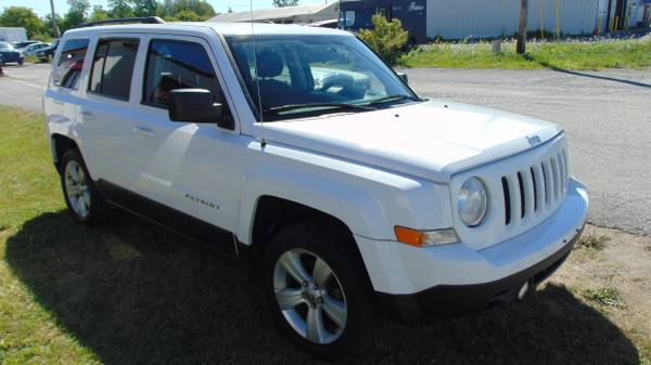 Photo 2014 JEEP PATRIAT LATITUDE 4X4 67K MILES - $11,977 (THE DEALER TRADER AUTO GROUP BRADLEY ST  81)