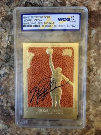 Photo 96-97 Fleer 23 KT gold Michael Jordan Basketball card - $50 (Watertown)