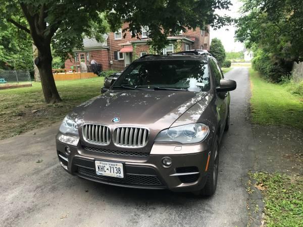 Photo BMW X5 D - $10,500 (Watertown)