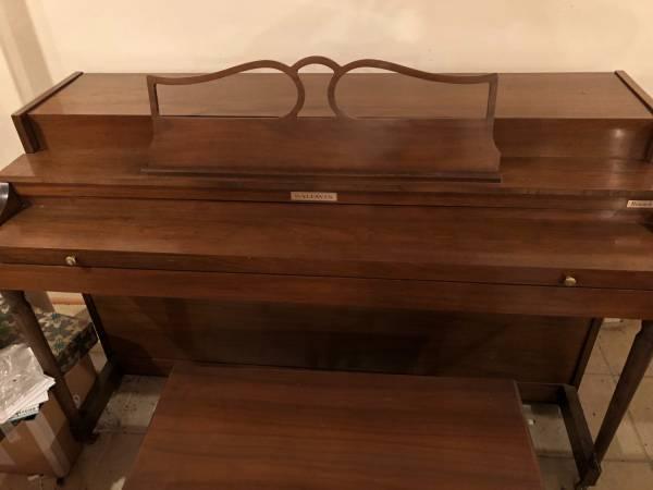 Photo Baldwin Upright Piano  Bench. Used - $250 (Honeoye Falls)