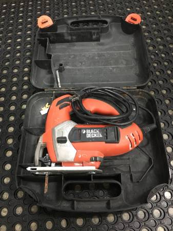 Photo Black and Decker 4.5 corded Jigsaw - $20 (Rochester)