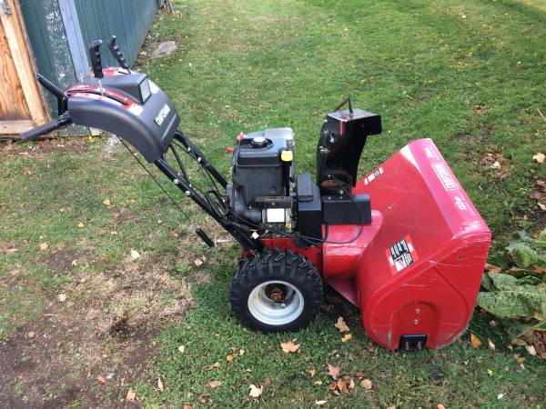 Photo Craftsman Snow Thrower 33quot 13 HP - $500 (Copenhagen, NY)