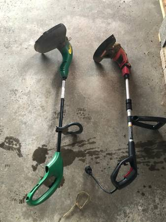 Photo Craftsman and weed eater electric trimmers - $40 (Watertown)