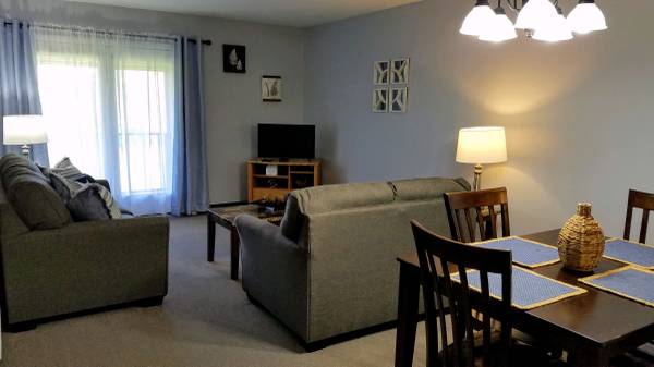Photo FULLY FURNISHED 2 BR AVAILABLE NOVEMBER 13 (ONTARIO VILLAGE APARTMENTS)
