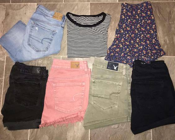 Photo Girls American Eagle Clothing - $55 (Lowville)