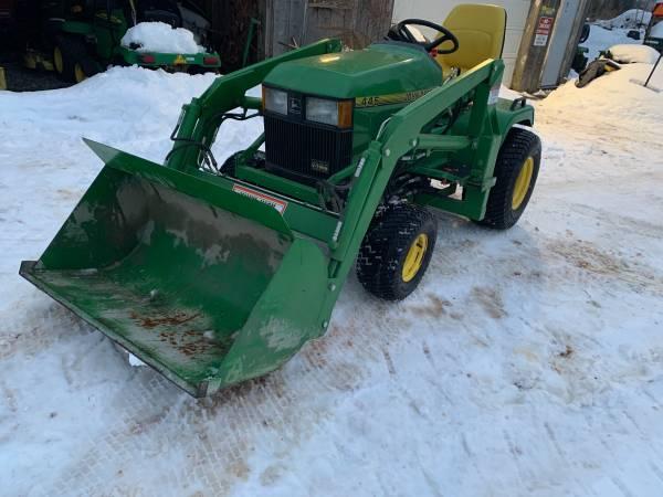 Photo John Deere Garden tractor with loader - $7,000 (Hannibal)