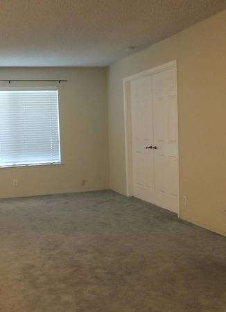 Photo THE HOME IS 2 BEDROOMS 2 BATHS (Watertown)