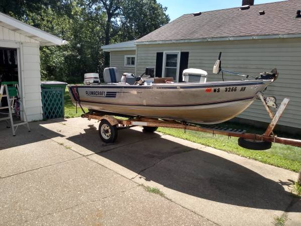 Photo 1439 ALUMACRAFT BOAT WITH STEERING CONSOLE  TRAILER FOR SALE - $2,850 (WISCONSIN RAPIDS)