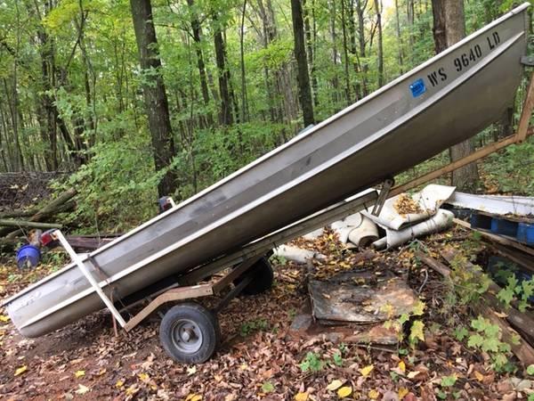 Photo 1439 Boat, or Trailers obo (trade ) - $350 (Mosinee)
