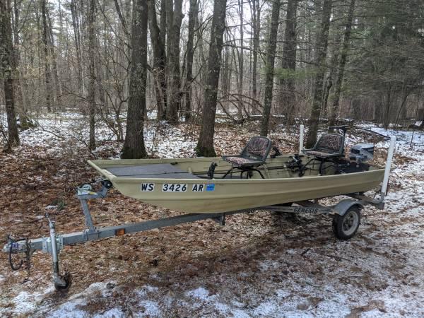 Photo 14 foot alumacraft flat bottom jon boat - $2,750 (Merrill)