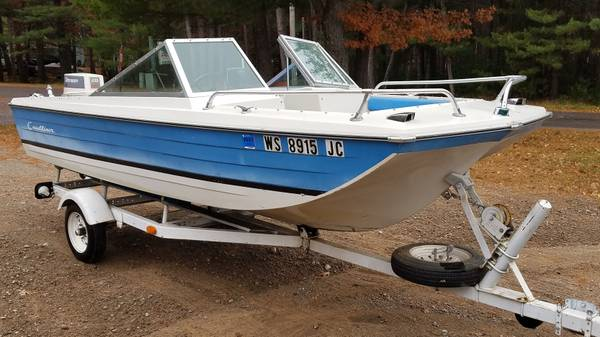 Photo 1539 Crestliner boat 28hp Johnson and trailer - $1,295 (Rhinelander)