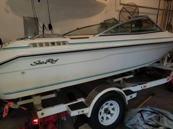 Photo 16 ft Sea Ray Tubing Boat - $4,000 (River Falls)