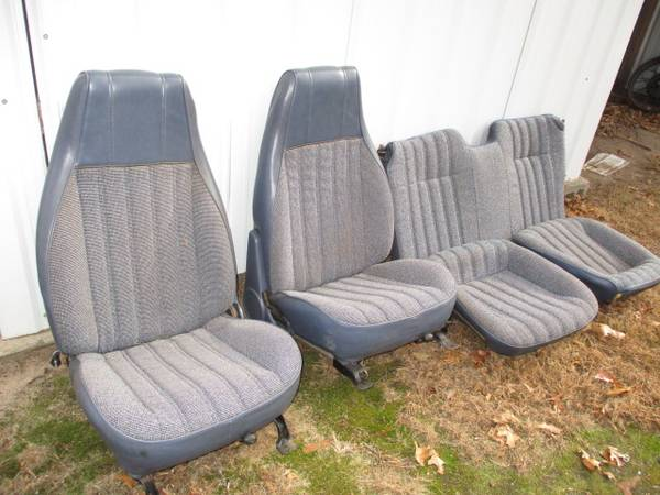 Photo 1982-92 Chevy Camaro Buckets  Back Seat s (Amherst Wi)