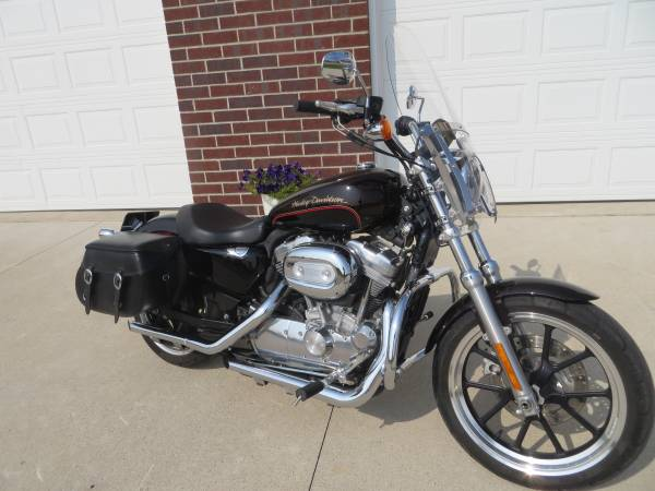 Photo 2011 Harley Davidson 883 Sportster T ,Loaded with extras  - $5,899 (Green Bay)