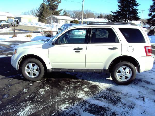 Photo 2012 Ford Escape XLT 4X4 - $7500 (5305 E Jelinek Ave Weston WI)