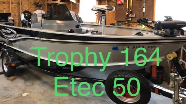 Photo 2012 Ultracraft Trophy Evinrude Etec 50hp - $11,500 (Wausau)