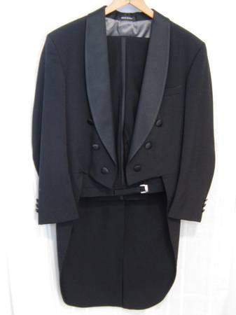 Photo 36R Black Tuxedo wtails, pants, white shirt, tie, Prom, Wedding 36R - $75 (Sanborn, WI)