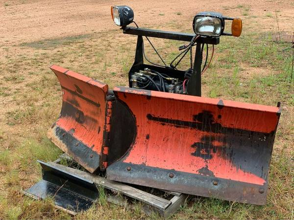 Photo Boss V Snow Plow - 7396quot - $1,750 (Wausau)