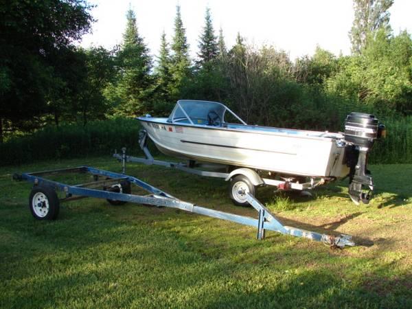 Photo Classic Starcraft Boat, Motor and Trailer - $1,750 (Merrill)