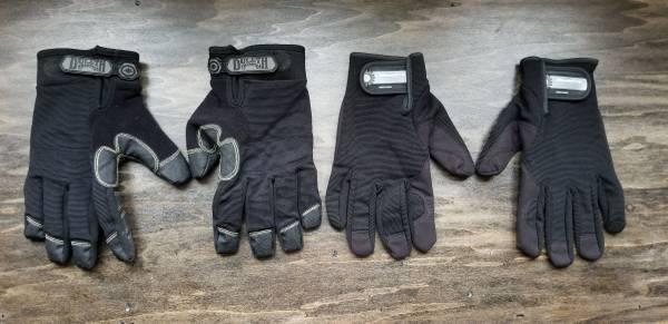 Photo Duluth Trading brand and MechPro brand Gloves - $10 (Kronenwetter)