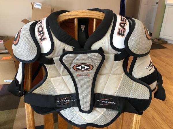Photo Easton Hockey Shoulder Pads Sz Lg - $15 (Wisconsin RapidsStevens Point)