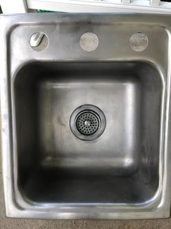 Photo Elkay Stainless Steel Sink - $20 (NE Wausau)
