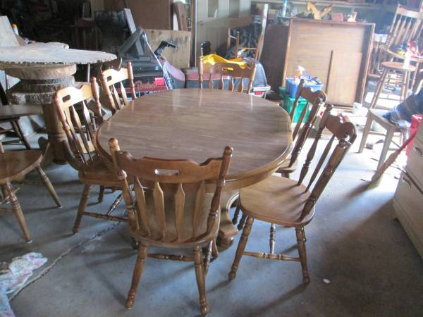 Photo Ethan Allen solid maple table with six chairs - $150 (antigo)