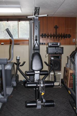 Photo Hoist V5 Home Gym Health, Fitness, Exercise Equipment - $1200 (Wausau)