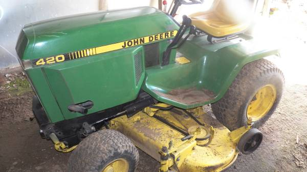 Photo John Deere 420 Tractor - $3300 (Aniwa)