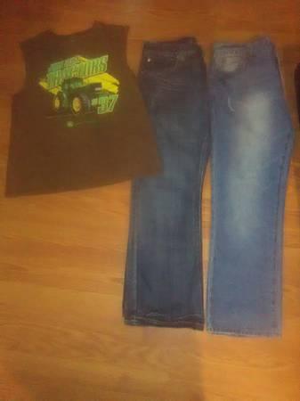 Photo Men39s 34x30 Jean Lot with John Deere Medium shirt - $8 (custer)