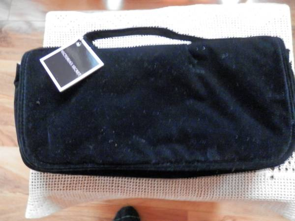 Photo NWT Black Velveteen  Pink Sateen Snap Closure Bag 13quot L x 6quot High - $4 (Wisconsin Rapids)