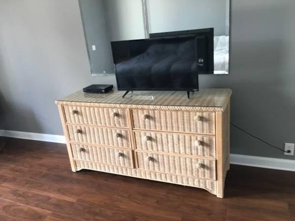 Photo Off White Natural Wicker Bedroom Dresser - $75 (Wausau)