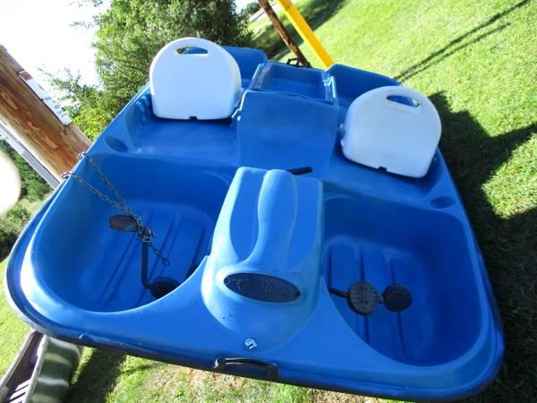Photo Pelican 4 Seat Peddle Boat - $245 (Port Edwards)