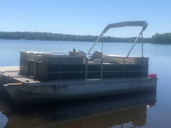 Photo Refurbished 19 ft Pontoon Boat with trailer - $7,000