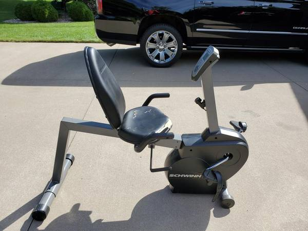 Photo Schwinn recumbent stationary bike - $60 (Stevens Point)