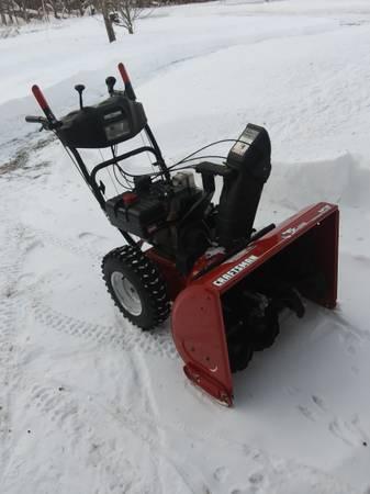 Photo Snowblower 28quot 9hp elec.start craftsman - $475 (Merrill)