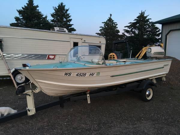 Photo Starcraft Boat - $2,000 (Medford)