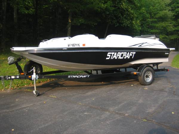 Photo Starcraft Deck Boat - $24,900 (Deerbrook)