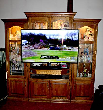 Photo TV Stand Stained Glass 3 Piece Cabinet Center - $375 (Marshfield)
