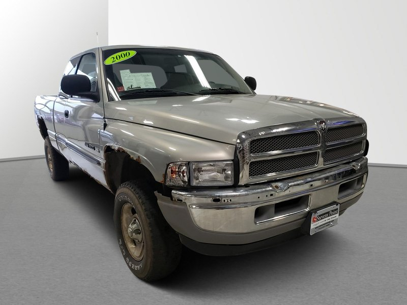Photo Used 2000 Dodge Ram 1500 Truck 4x4 Club Cab for sale
