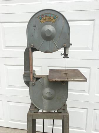Photo Vintage Delta 10 Band saw - Model 785 - $175 (Stevens Point)