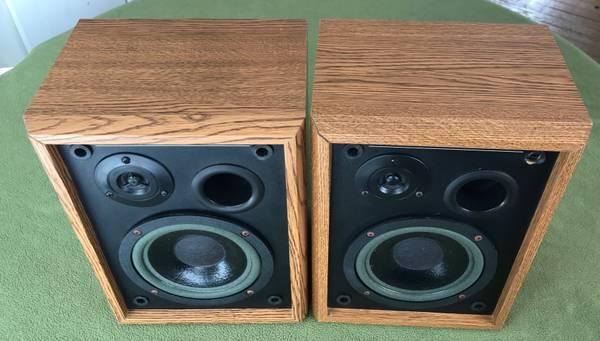 Photo Vintage MTX AAL 600A Audio Acoustic Labs Bookshelf Speakers - $40