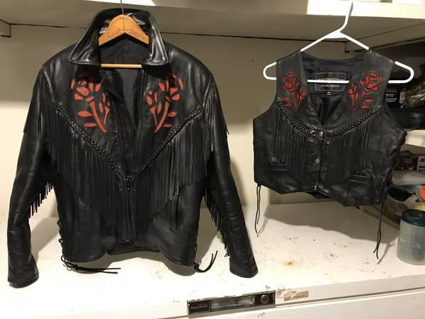 Photo Womens Leather Jacket, Vest Harley Davidson Boots - $1 (Nekoosa)