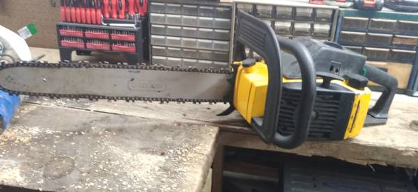 Photo chainsaws new and used - $250 (Milladore)